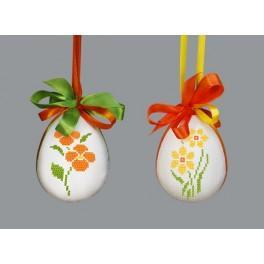 Osterei mit Blumen – Stiefmütterchen und Jonquille - Zählmuster