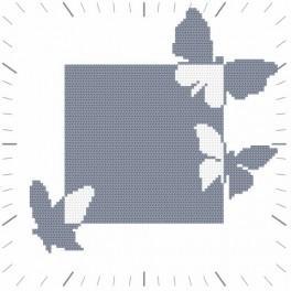 Zahlmuster online - Uhr mit Schmetterlingen