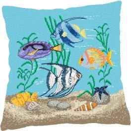 Stickpackung mit Kissenbezug - Kissen - Ein Aquarium