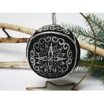 Set mit Stickgarn und Perlen - Weihnachtskugel – Elegantes Schwarz