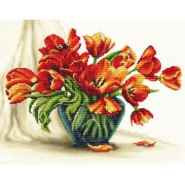 Bezaubernde Tulpen - Aida Stoff mit Hintergrund