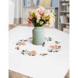Stickpackung - Tischdecke mit Rosen