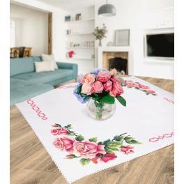 Stickpackung - Tischdecke mit romantischen Rosen