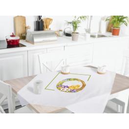 Zählmuster - Tischdecke mit Frühlingskranz