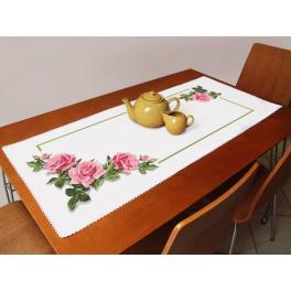 Stickpackung mit Stickgarn und Tischläufer - Tischläufer mit Rosen 3D