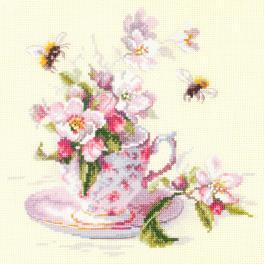 Stickpackung - Tasse mit blühendem Apfelbaum