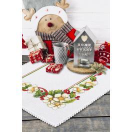 Stickpackung mit Stickgarn und Serviette - Weihnachtsserviette mit Blumen