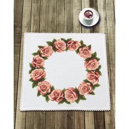 Stickpackung mit Stickgarn und Serviette - Serviette mit Rosen
