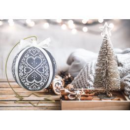 Stickpackung - Weihnachtskugel mit weißer Arabeske