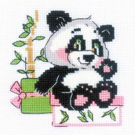 RIO 1883 Stickpackung mit Wollgarn - Geschenk vom Panda