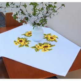 ZU 10450 Stickpackung - Tischdecke mit Sonnenblumen