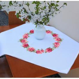 ZU 10449 Stickpackung - Tischdecke mit Rosen