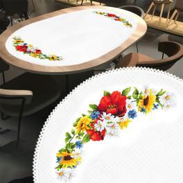 ZU 10462 Stickpackung - Ovaler Tischläufer mit Mohnblumen