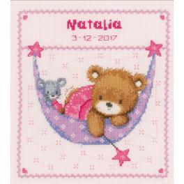 VPN-0148471 Stickpackung - Geburtsschein - Teddybär in der Hängematte für Mädchen