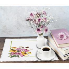 ZU 10469 Stickpackung - Serviette mit Blumen